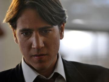 Alberto Amman es Miguel en 'Apaches'