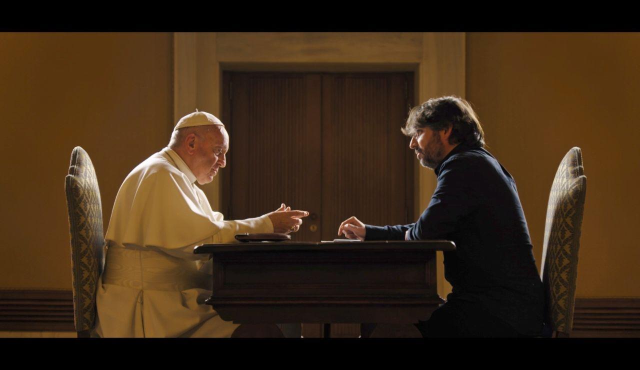 Jordi Évole cumple su sueño de entrevistar al Papa en Roma